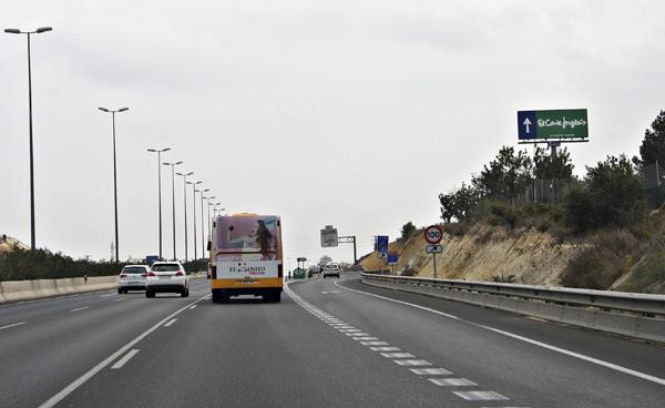 Publicidad en monoposte carreterera
