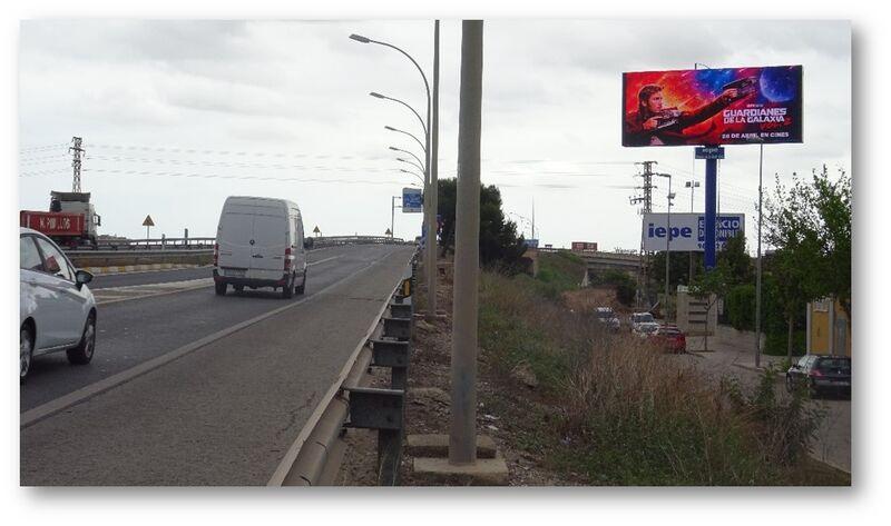 Publicidad en pantalla gigante V30