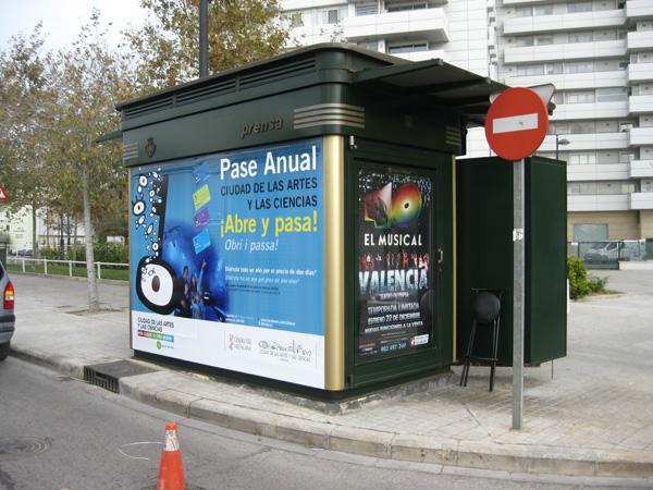 Publicidad en kiosko valencia