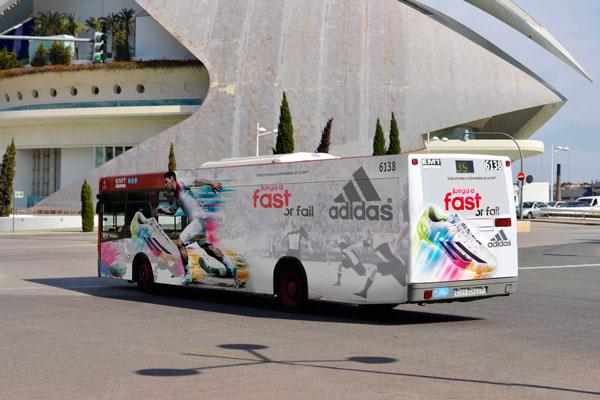 """Publicidad integral """"ADIDAS"""" autobús urbano"""