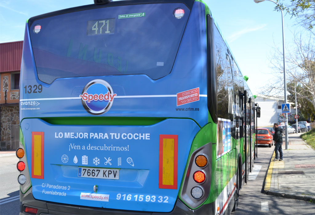 Publicidad trasera integral en autobús interurbano