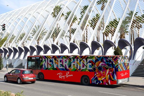 """Publicidad integral """"Ray-Ban"""" autobús urbano"""