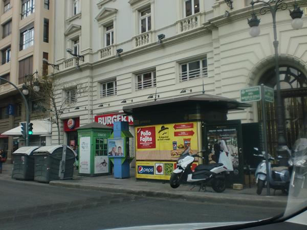 Publicidad en mobiliario urbano de Valencia, publicidad en kiosko