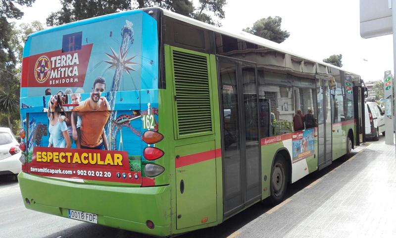 """Publicidad trasera integral + lateral en autobús urbano de """"Terra Mítica"""""""