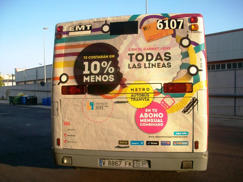 Publicidad integral en autobús urbano