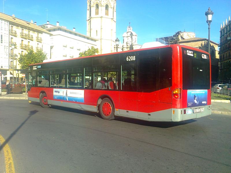 """Publicidad estándar """"ASISA"""" en autobús urbano"""