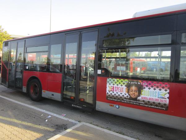 Publicidad trasera + lateral sencillo autobús urbano